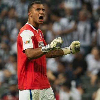 Guillermo Allison festeja gol en Final de Copa contra Rayados