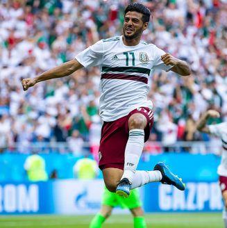 Carlos Vela festeja su gol contra Corea en el Mundial