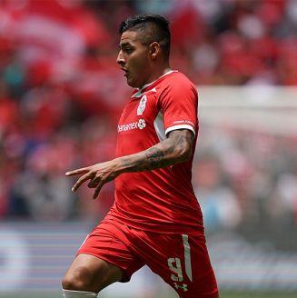 Vega, durante un juego con Toluca en el Apertura 2018