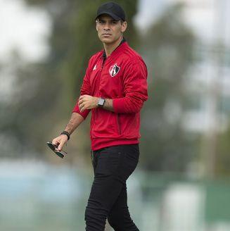 Rafa Márquez, de visita en entrenamiento de Atlas
