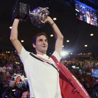 Roger Federer levanta el título del Australian Open