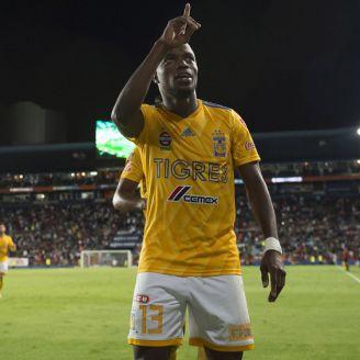 Valencia celebra una anotación con Tigres