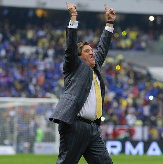 Piojo Herrera celebra título del América