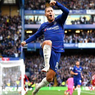 Hazard celebra una anotación con Chelsea