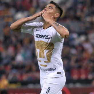 Felipe Mora festeja triunfo en Copa MX ante Leones Negros