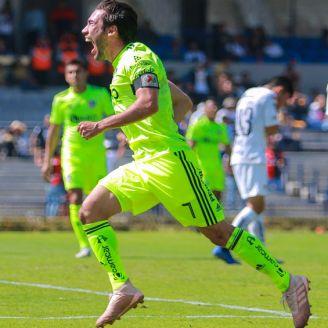 Juan Pablo Vigón festeja gol contra Pumas en CU