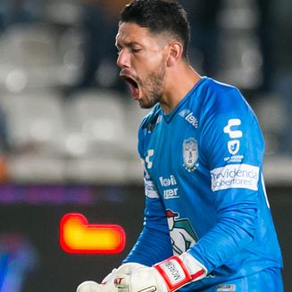 Leonel Moreira celebra gol de Pachuca en la Copa MX