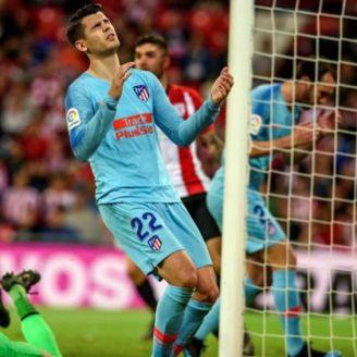 Morata, se lamenta de una ocasión fallada de gol
