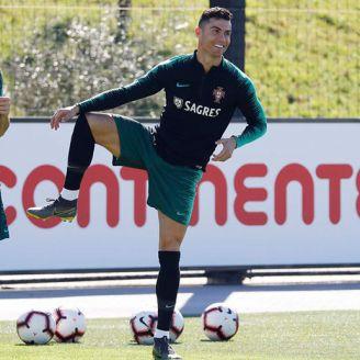 Cristiano Ronaldo en entrenamiento de Portugal