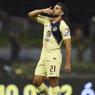Henry Martín celebra gol contra Xolos