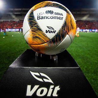 Balón de la Liga MX, previo a un encuentro