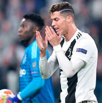 Cristiano Ronaldo se lamenta en juego de la Juve contra Ajax