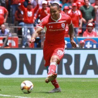 Felipe Pardo en acción durante un encuentro ante Monterrey