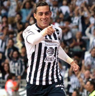 Rogelio Funes Mori celebra un gol frente a Santos