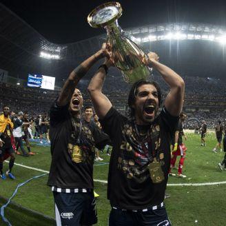 Pizarro levanta el título de la Concachampions