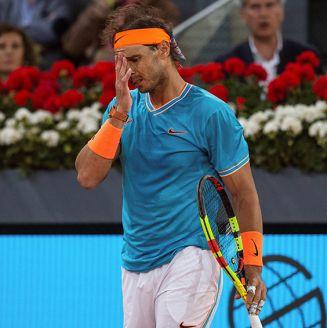 Rafael Nadal se lamenta tras caer en el Abierto de Madrid
