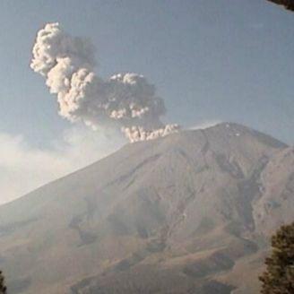 Popocatépetl muestra actividad