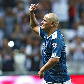 Chupete Suazo, en el partido de su despedida en Monterrey