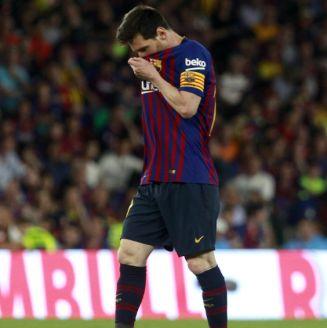 Leo Messi en lamento durante un encuentro ante el Valencia