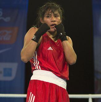Esmeralda Falcón, durante pelea en Juegos Centroamericanos y del Caribe