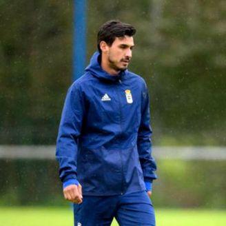 Oswaldo Alanís durante un entrenamiento con el Real Oviedo