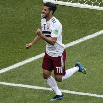 Carlos Vela, en festejo con México