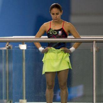 Paola Espinosa, previo a ejecutar un clavado