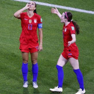 Alex Morgan, en festejo de gol ante Inglaterra