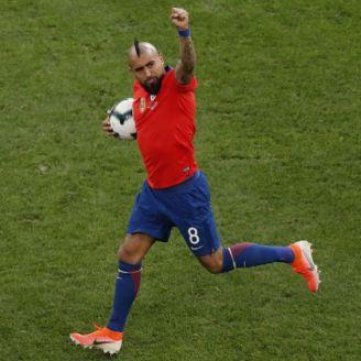 Vidal festeja gol en Copa América