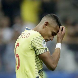 Tesillo se lamenta tras fallar penalti
