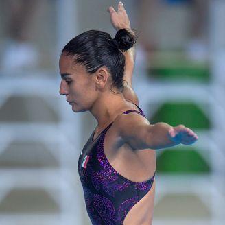 Espinosa se prepara para ejecutar en la Final individual de trampolín