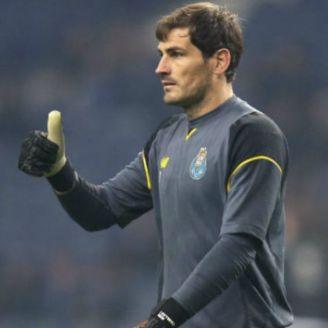 Iker Casillas tras un partido de Porto