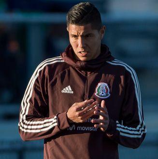Hugo Ayala, en entrenamiento del Tri