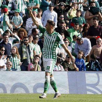 Joaquín celebrando uno de sus tres goles contra Athletic