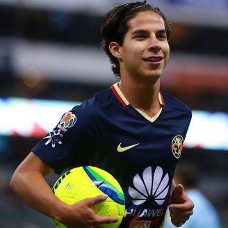 Diego Lainez, durante un juego del América en el Clausura 2018