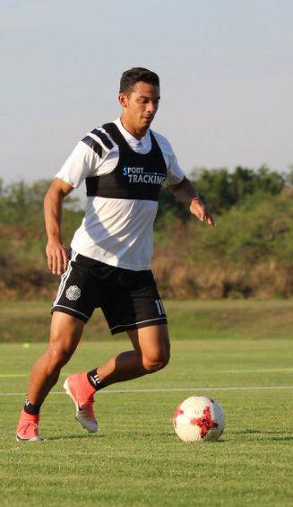 Walter González, durante un entrenamiento con el Olimpia