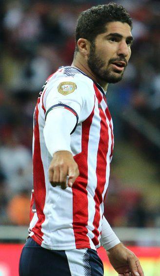 Pereira disputa un juego con Chivas