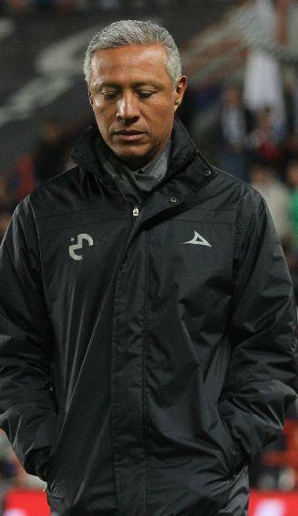 Roberto Hernández se lamenta tras derrota con América