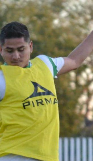 Julio Gómez durante un entrenamiento de Loros de Colima
