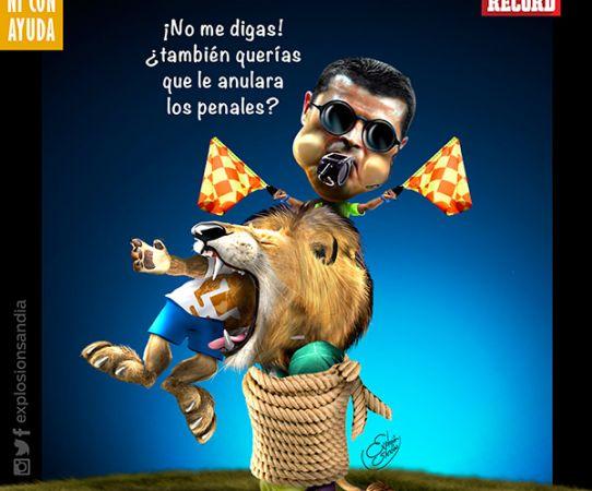 Pese al polémico arbitraje, Pumas cayó
