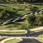 Cerca del Parque Radical, el Centro de Mountain Bike tiene un recorrido de 4 mil 850 km de extensión, que aprovecha la topografía de la zona