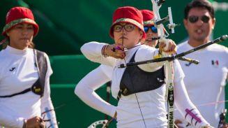 Gabriela Bayardo lista para disparar su flecha