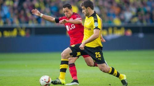 Chicharito, en juego contra el Borussia Dortmund