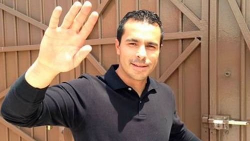 Enrique Meza Salinas posa para la cámara