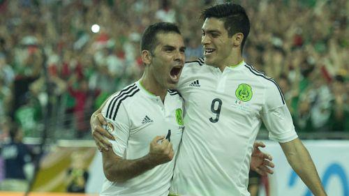 Rafael Márquez festeja gol contra Uruguay