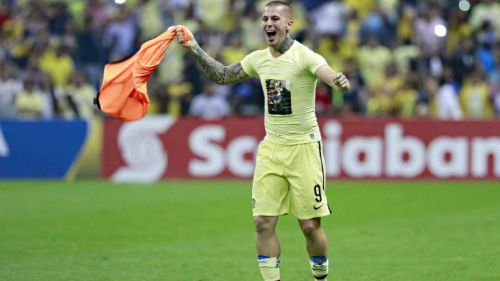 Benedetto festeja el Campeonato de Concachampions con América