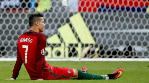 Cristiano pide cambio tras lesión