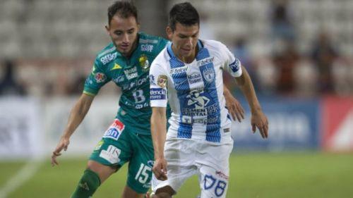 Lozano disputa partido de Liga MX
