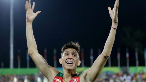 Ismael Hernández festeja su tercer lugar en Rio 2016