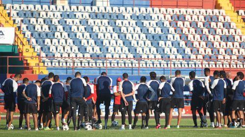 Futbolistas del Atlante durante la práctica del día
